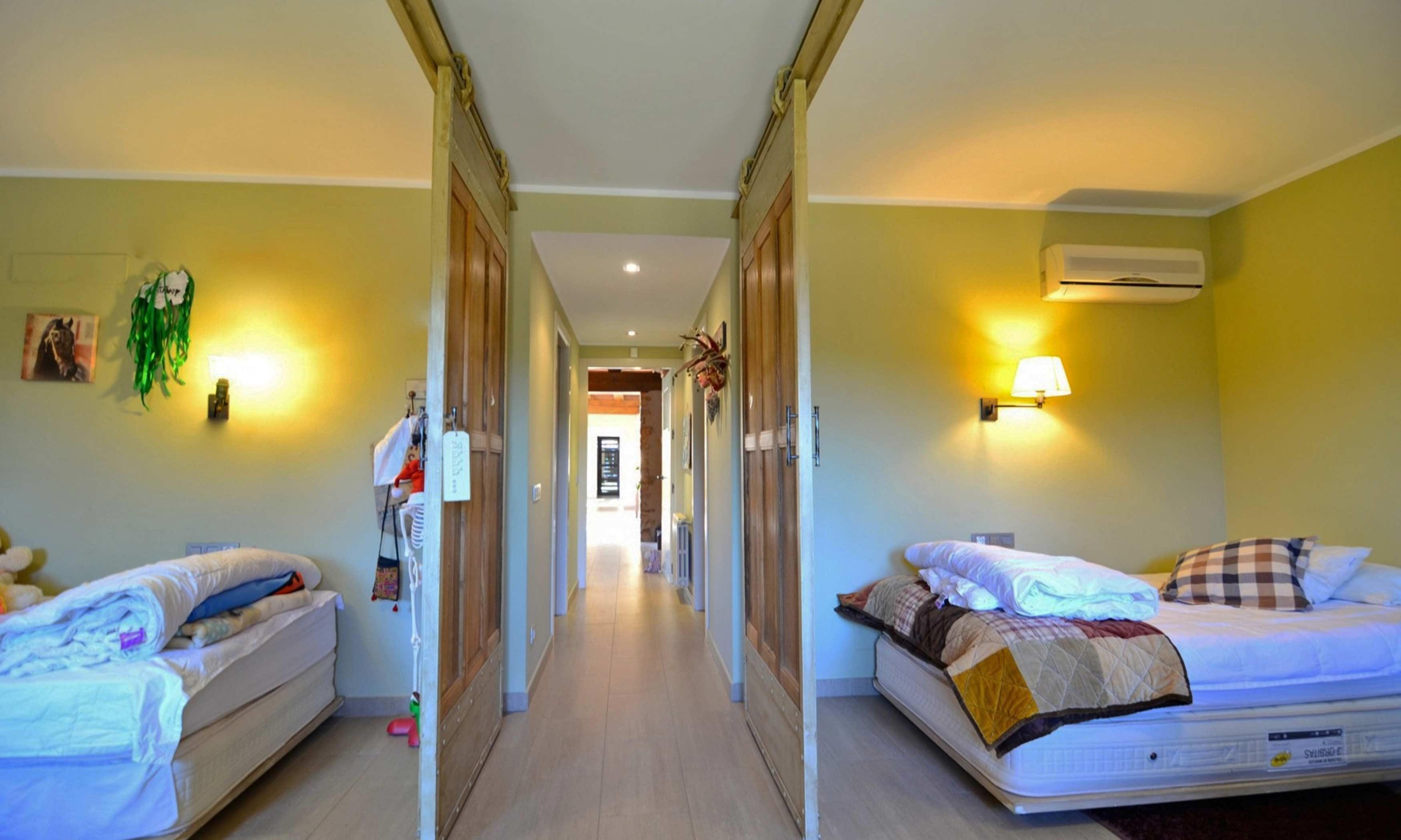 Slaapkamer En Suite : Vakantiehuis lescala villa vidalet begur slaapkamer 3 en 4