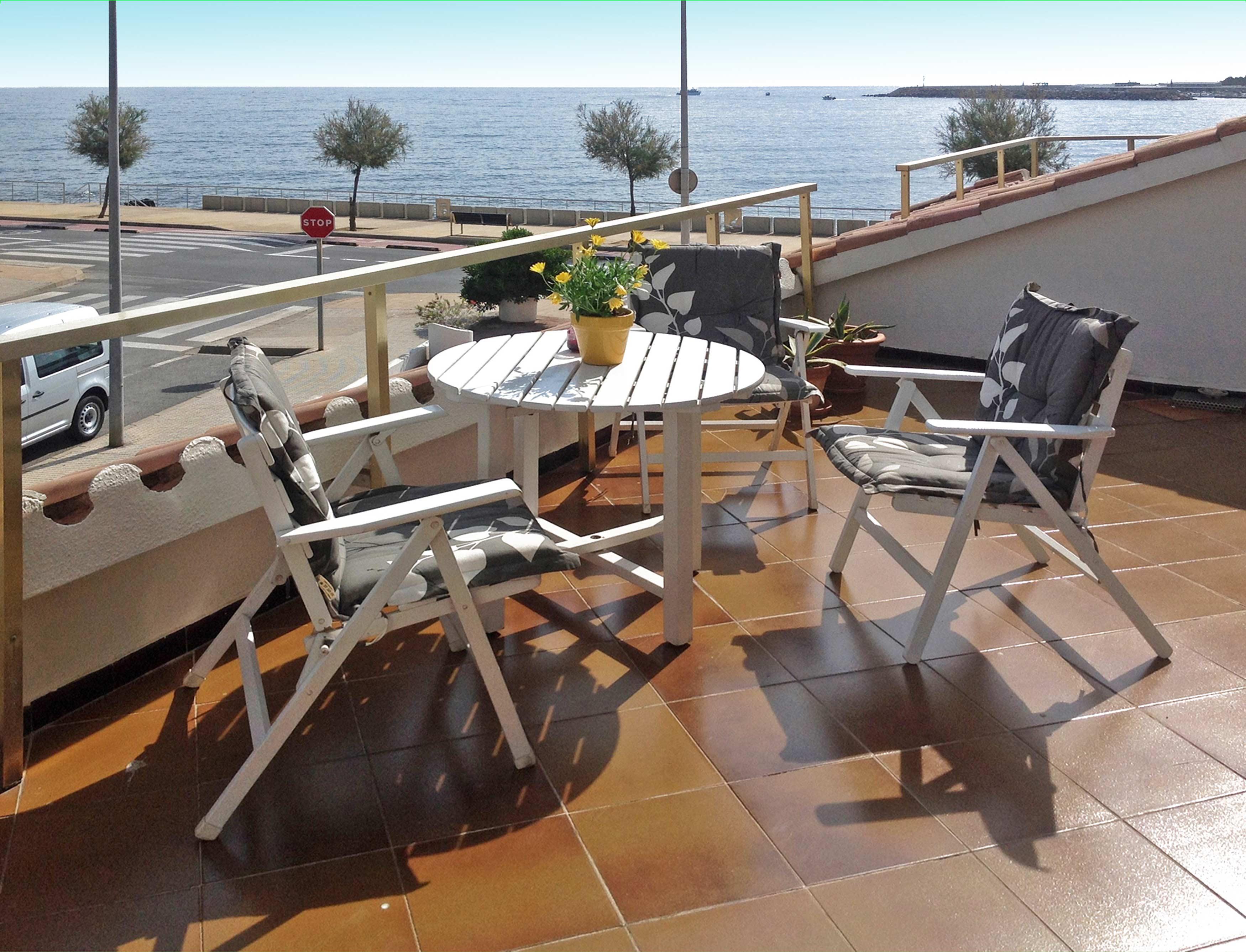 Het uitzicht vanaf het terras van Vakantiehuis l'Escala Les Gavines