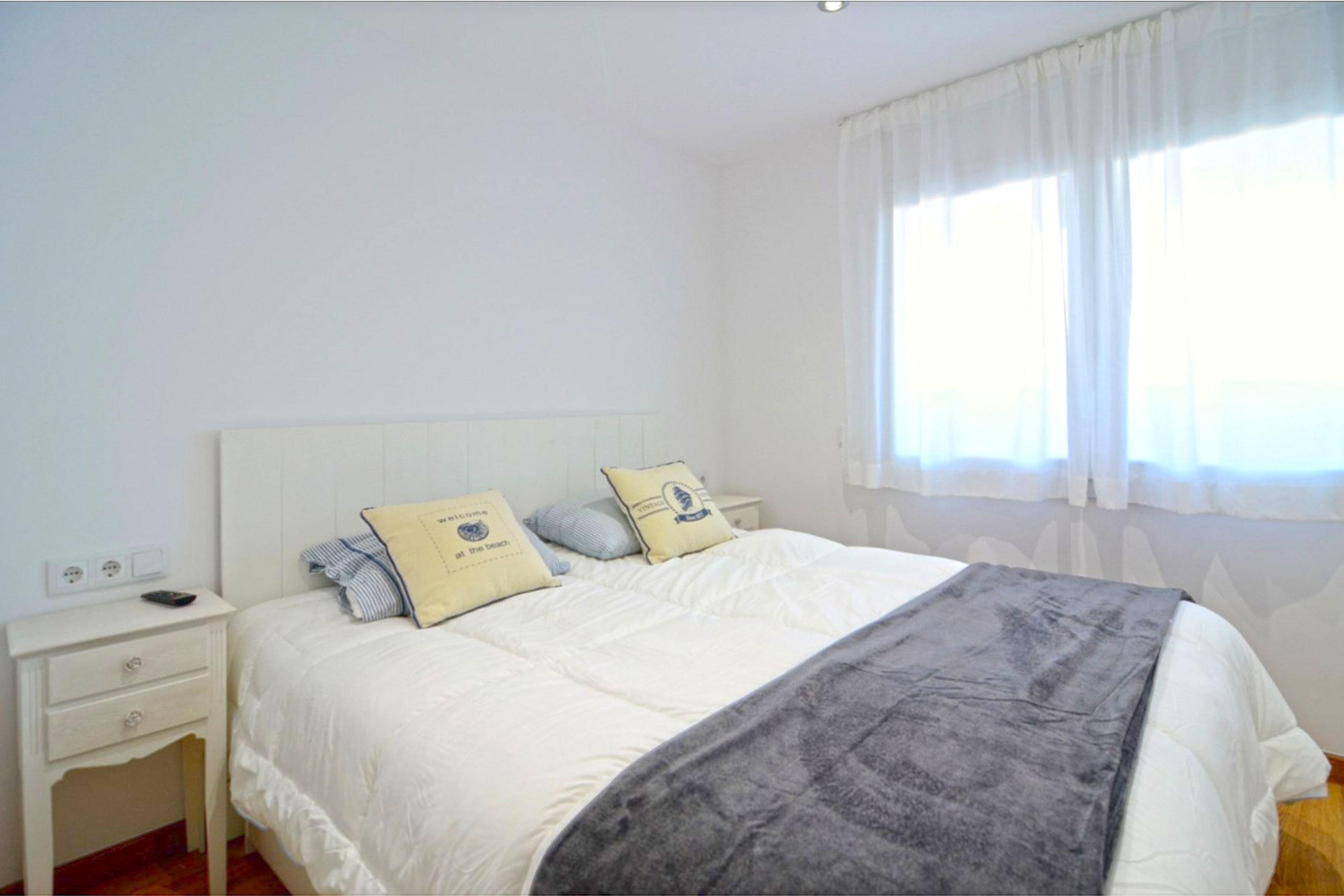 Appartement Vistamar l'Escala master bedroom