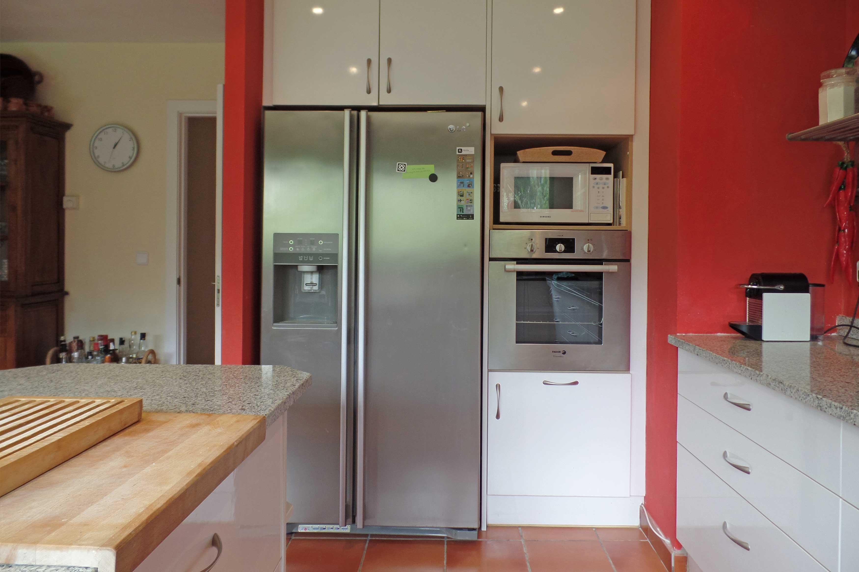 Keuken Villa Oosterhoff met koelkast en oven