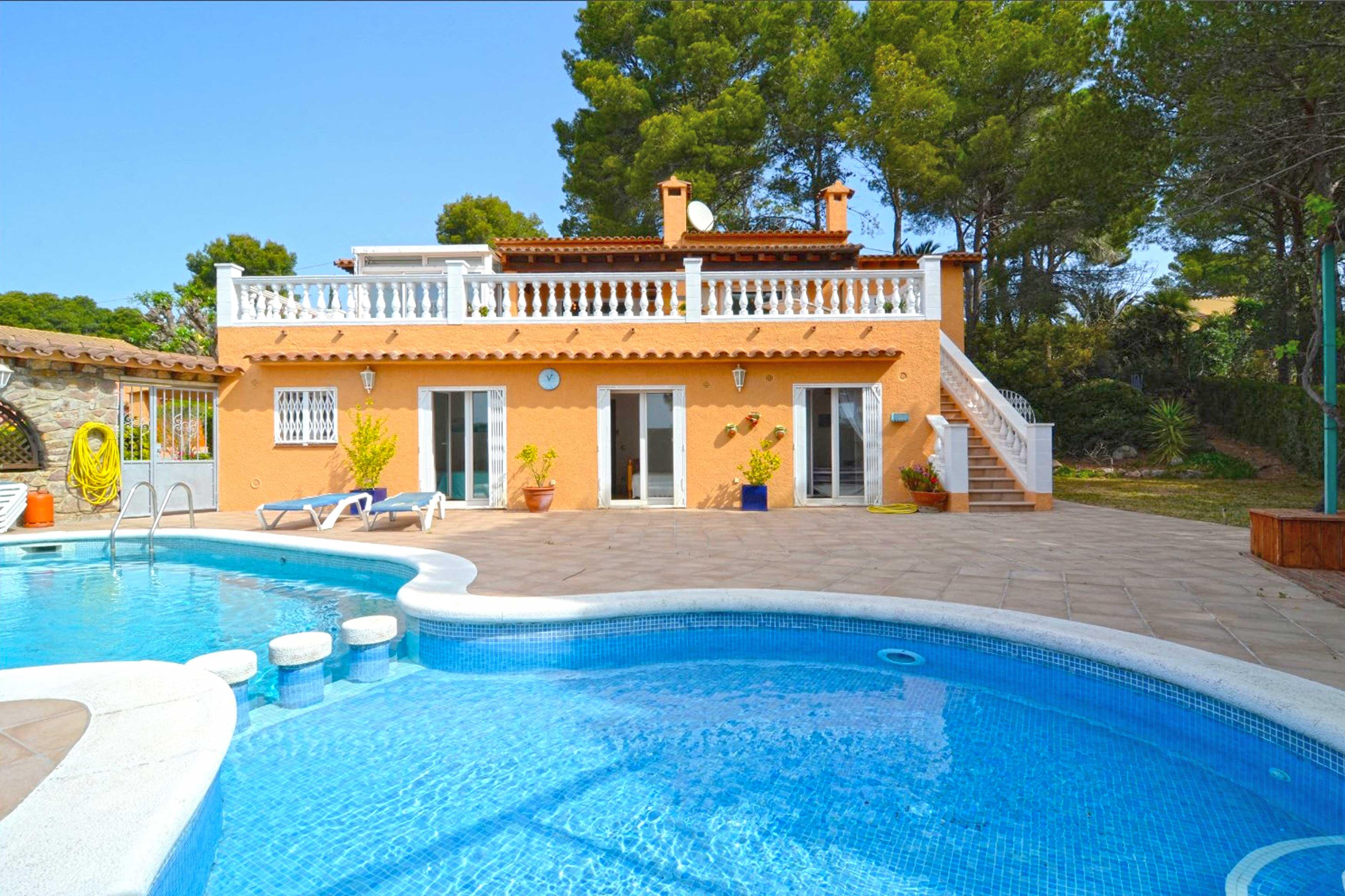 Villa Buckingham met tuin en mooi groot zwembad