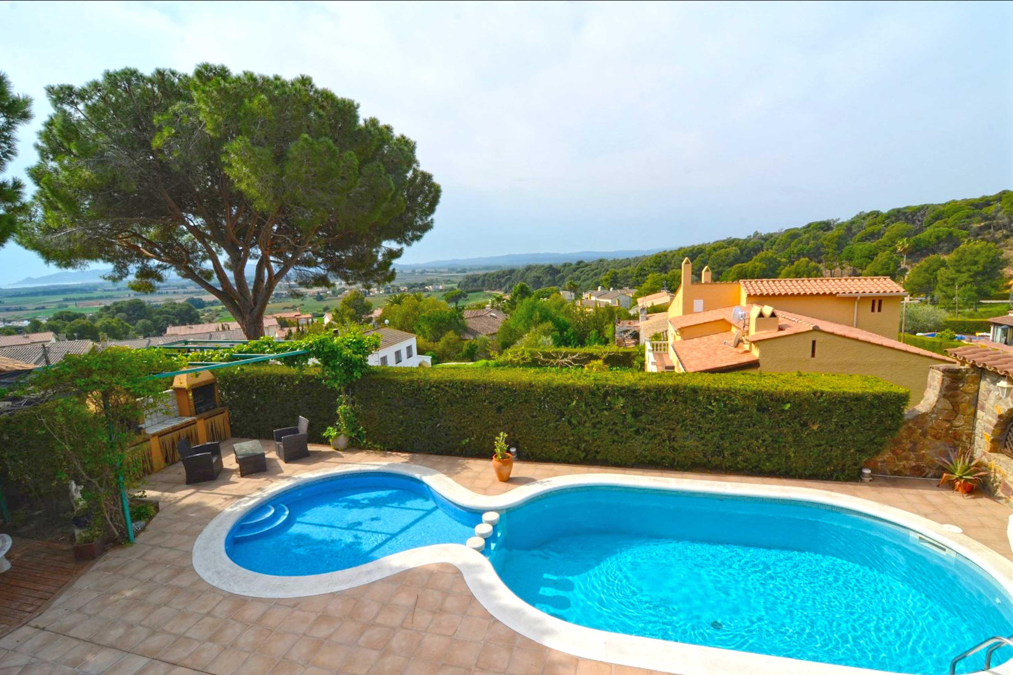 groot zwembad met uitzicht villa Buckingham