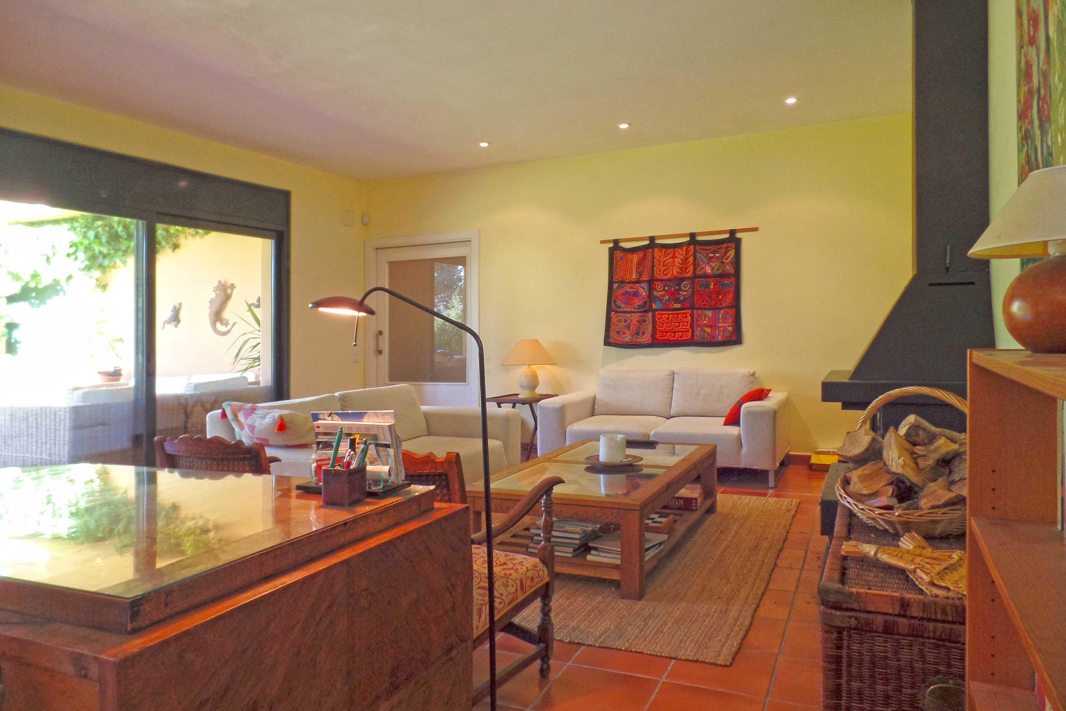 villa Oosterhoff met woonkamer en tuin